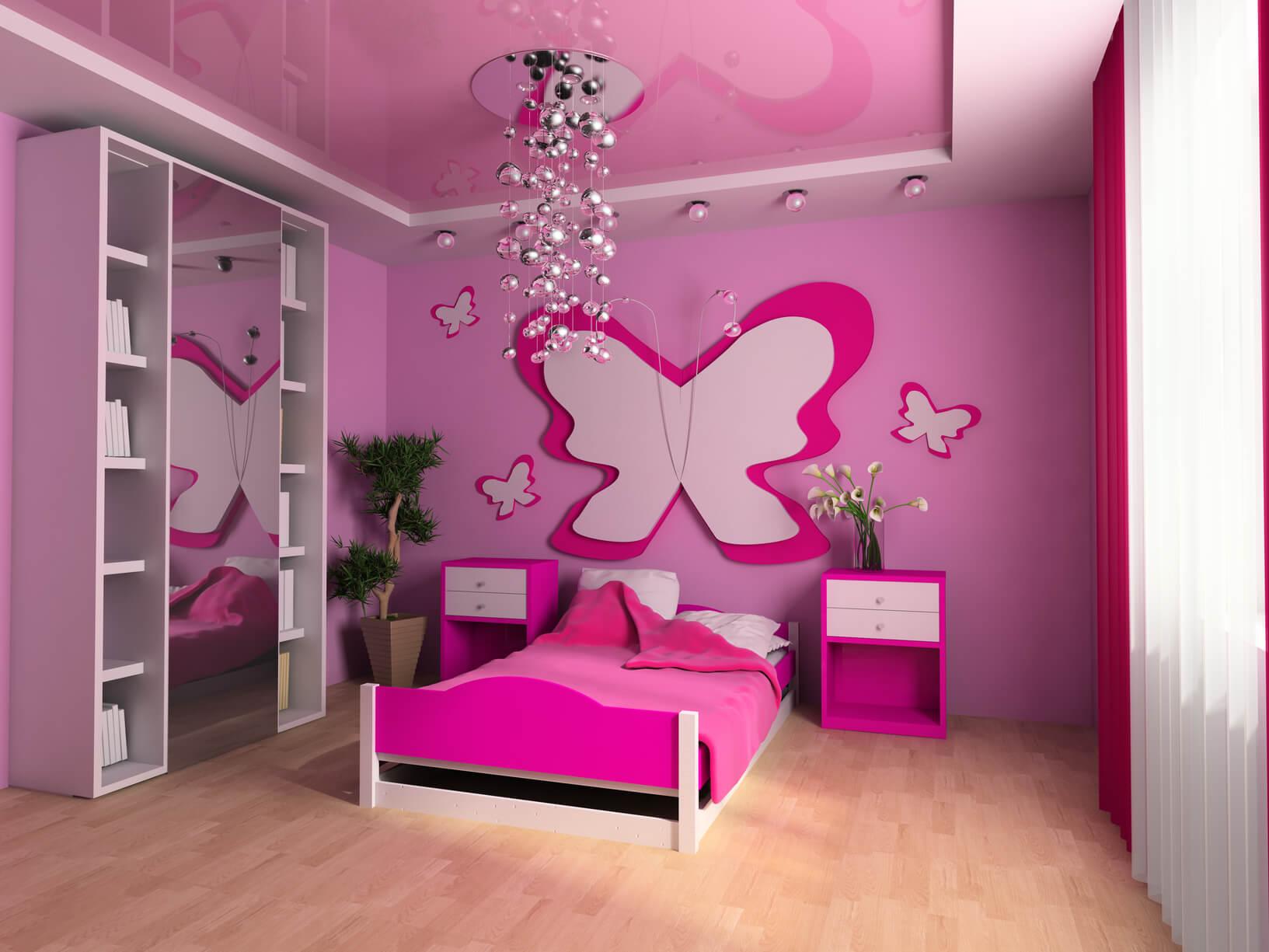 Розовый натяжной потолок